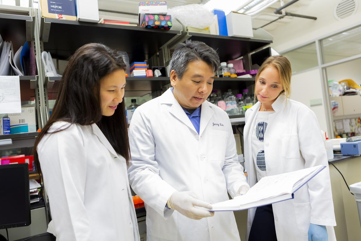 Jerry Lin with research assistants