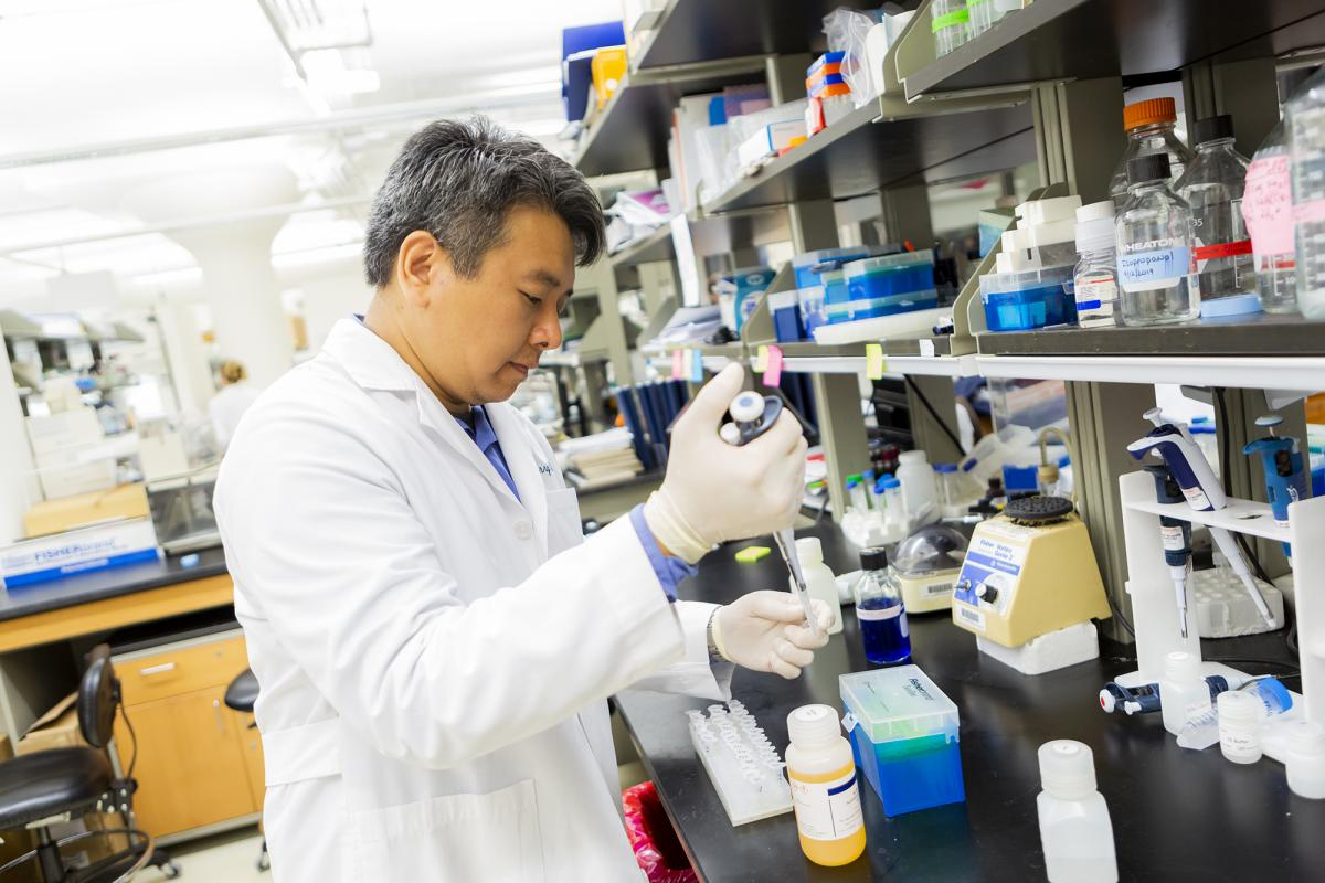 Jerry Lin works to Discover the Cause of MS